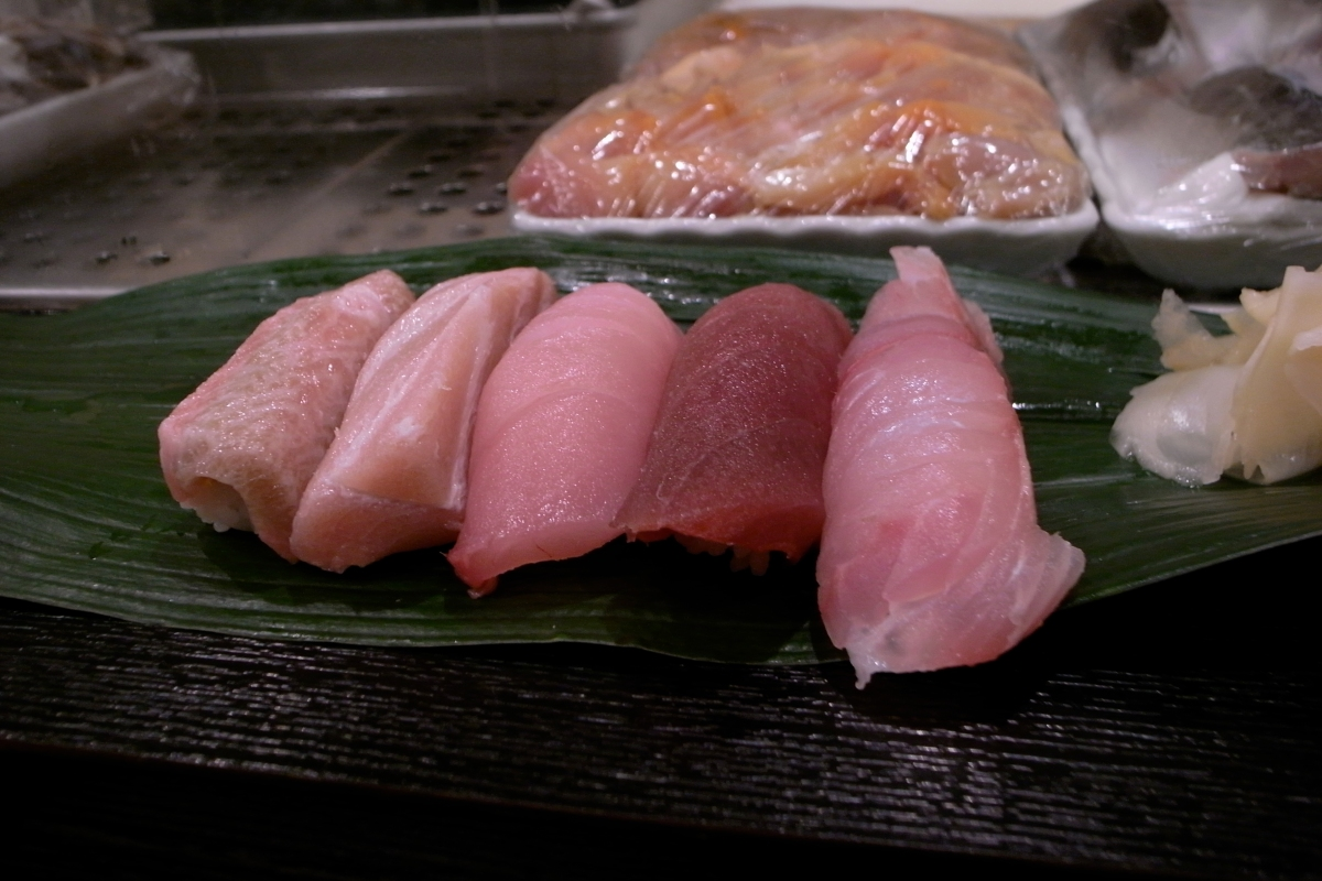 Sushi_-_Tuna_Spectrum_(2678128917).jpg